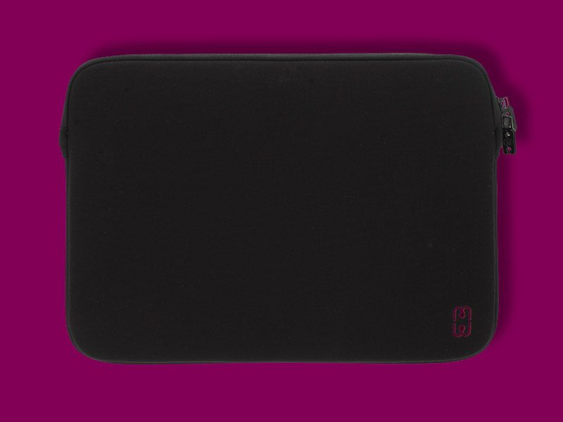 Black_cherry_Sleeve_MacBook_air_13_1